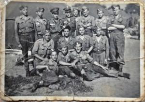 Mój dziadek (środkowy rząd, drugi od prawej)